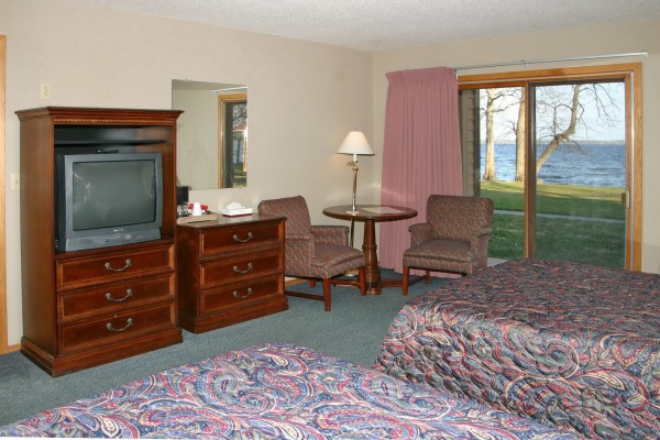 32-window-furniture-600x400